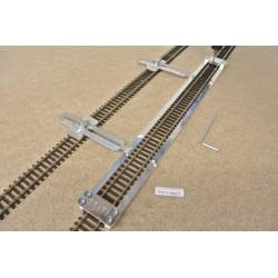 TT/T/L300/C1, Šablona rovná pro pokládku flexi kolejí TILLIG-TT,délka 300mm + 2 nastavitelné spojky