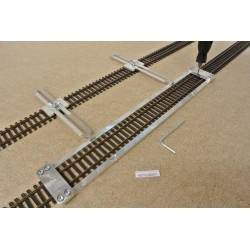 HO/T/L300/C1, Šablona rovná pro pokládku flexi kolejí HO TILLIG,délka 300mm + 2 nastavitelné spojky
