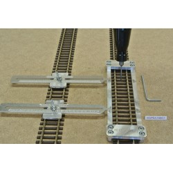 HO/PE/L150/C1, Šablona rovná pro pokládku flexi kolejí HO PECO,délka 150mm + 2 nastavitelné spojky