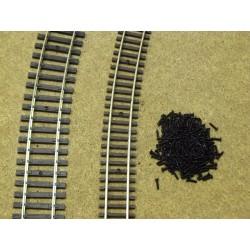 HO,TT - šroubky na koleje 1,4x6mm,cca 250ks